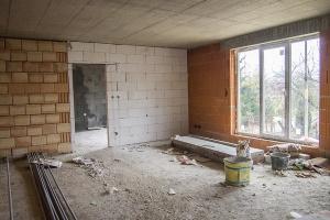 II.NP - 2 izbový byt - pohľad zo vstupnej chodby